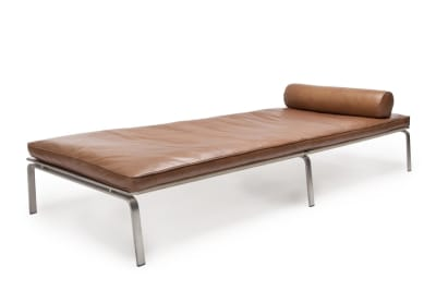 Man Day Bed Eggshell Premium Leather