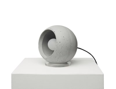 SUPERFLY-T concrete table lamp