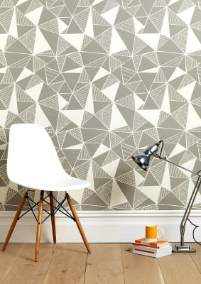 Tress In Grey Wallpaper