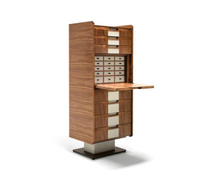 Corium Seven-Drawer Chest by Giorgetti