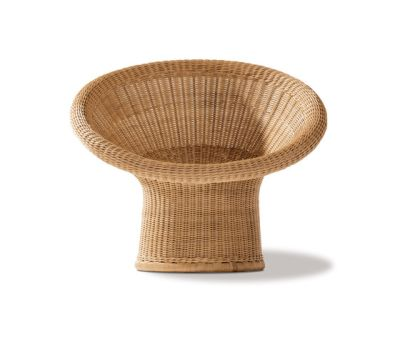 E 10 rattan lounge chair by Lampert