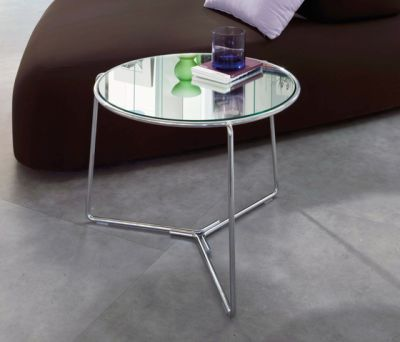 Fil side table by Former