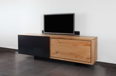 IGN. B2. TV. SIDEBOARD. by Ign. Design.