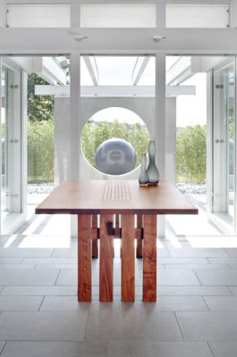 Ippongi table by Conde House Europe