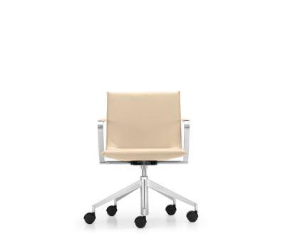 JACK Swivel chair by Girsberger
