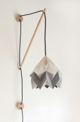 Klimoppe Moth Bi Color – White/Grey by Studio Snowpuppe