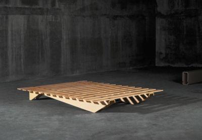 Lattenbett by Atelier Alinea