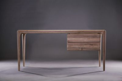 Latus working desk by Artisan