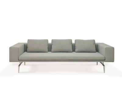 Lenao Sofa by PIURIC