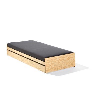 Lönneberga bed by Lampert