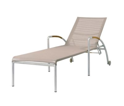 Natun Hemp lounger by Mamagreen