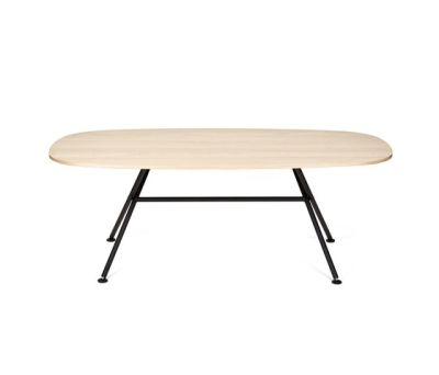 Oval Table by OBJEKTEN