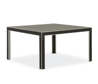 Plaza table by Varaschin