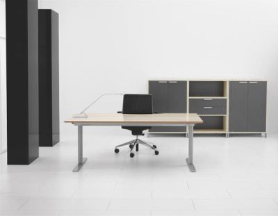 Q10 Desk by Holmris Office
