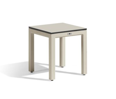 Quarto bench by Manutti