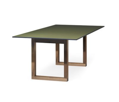 SC 25 Table | HPL with wood legs by Janua / Christian Seisenberger