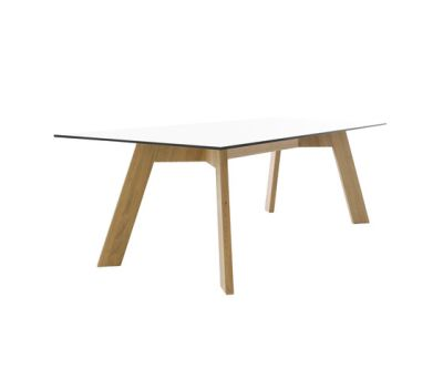 Y-Woman table by Conmoto