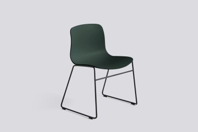 About A Chair AAC08 Hunter Seat and Black Base