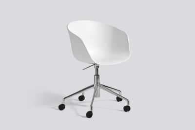 About A Chair AAC52 White, Polished Aluminium