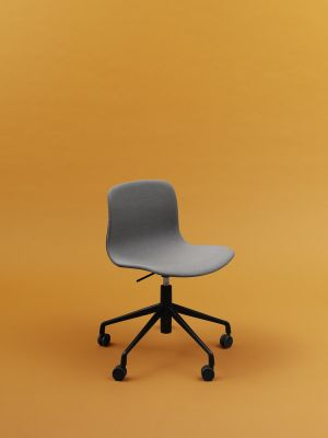 About A Chair with Gaslift AAC51 Leather Silk SIL0197 Cream, Polished Aluminium Base