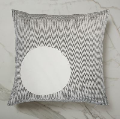 CURVE CUSHION | WHITE OUTSIDE