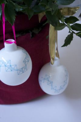 CWC Xmas Bauble Blue Ribbon