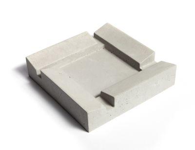 FUMI concrete ash tray
