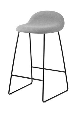 Gubi 3D Sledge Base Counter Stool - Fully Upholstered Dunes 21000 Cognac, Gubi Metal Chrome