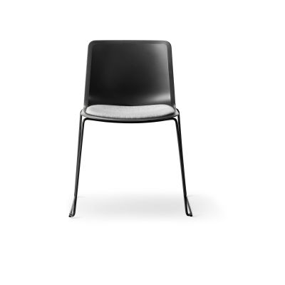 Pato Sledge Chair with Seat Upholstery Black painted, Quartz grey, Leather 90 Nature