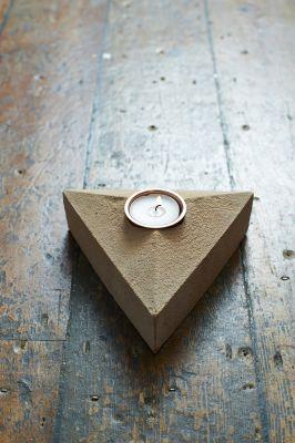 Sand Cast Brick Tea Light Holder With 1 Pack of 12 Flax Seed Tea Lights