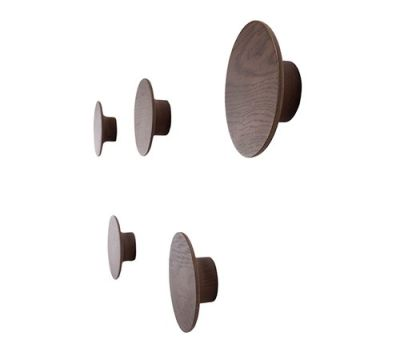 Toma Hangers - set of 5 Walnut Natural
