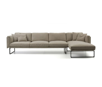 202 8 by Cassina