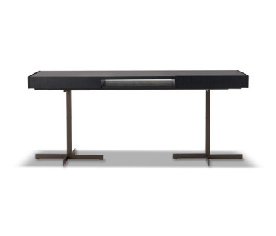 Close Writing Desk by Minotti