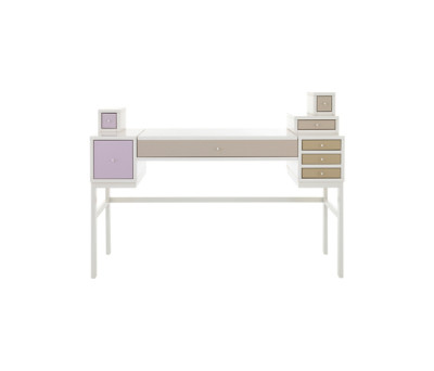 COLLECT Make-up table by Schönbuch