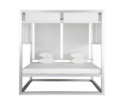 Day Bed Elevada by GANDIABLASCO