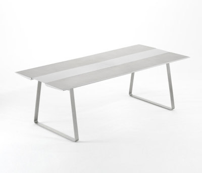 Extrados table 240 by EGO Paris