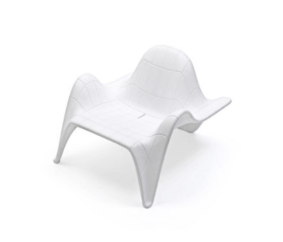 F3 Club Chair White