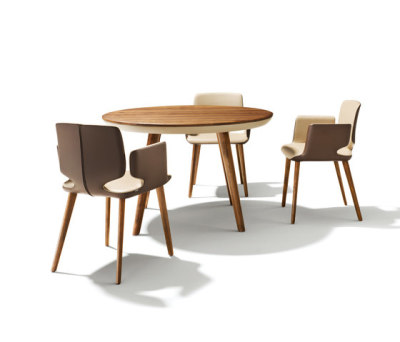 flaye non extendable table by TEAM 7