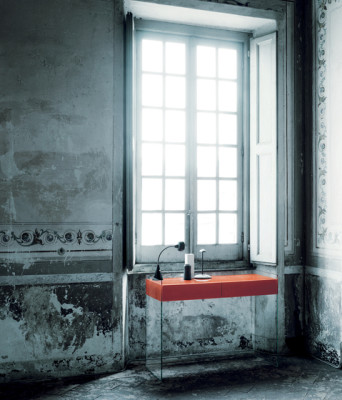 Float by Glas Italia