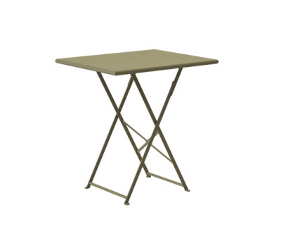 Flower folding table by Ethimo