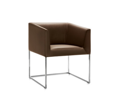 Gavi armchair by Frag