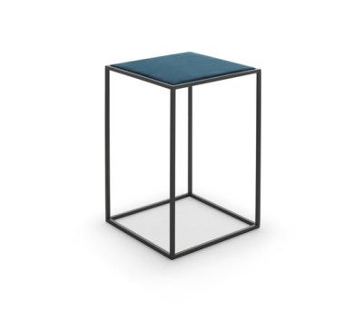 Gotham side table by Eponimo