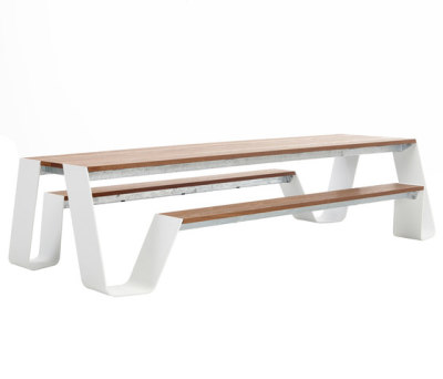 Hopper table by extremis