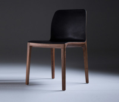 Invito Chair by Artisan