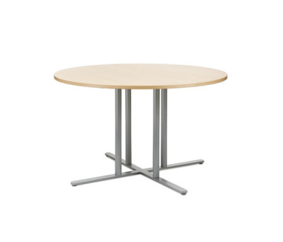 KL table by Gärsnäs