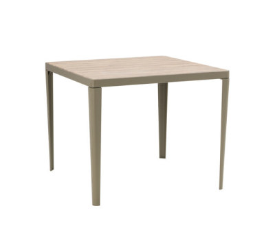 Laren table by Ethimo