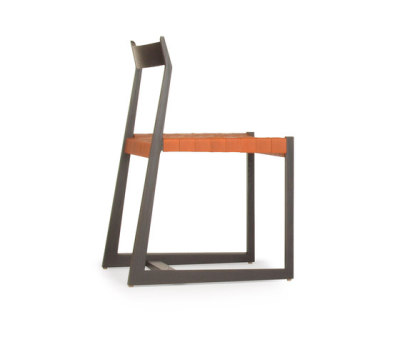lineground #2 chair by Skram