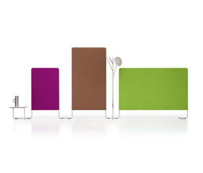 LINKED Configuration with coat rack & table by Girsberger