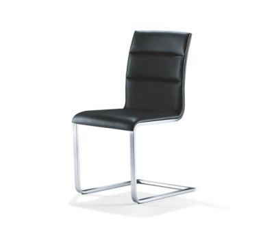LYNN Chair by Girsberger