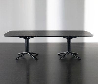 Miller Dining table by Meridiani